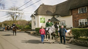 Rural Oscar winning pub hosts local hunt meet